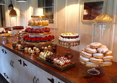 The-Blue-Owl-Bakery-St-Louis-Wedding-Dessert-Buffet-002